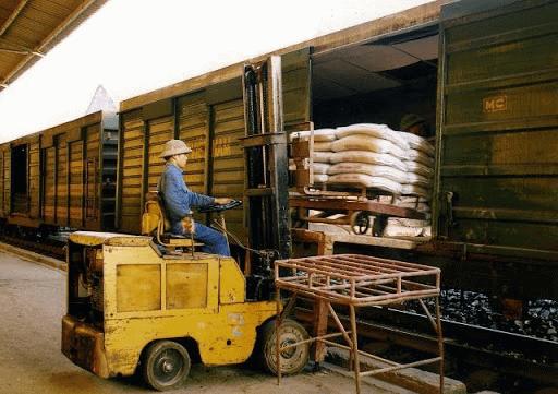 Vận chuyển hàng hóa bằng đường sắt tại tphcm