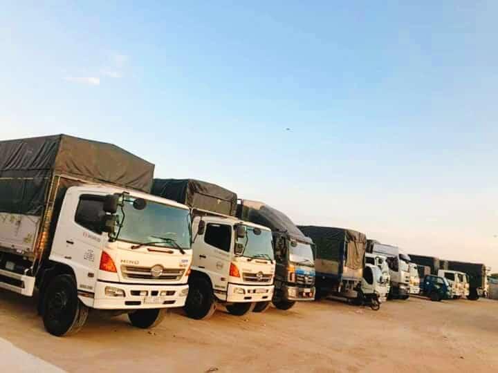 Đội ngũ xe tải chuyên chở hàng của Công ty TNHH Dịch vụ Vận tải AnZen