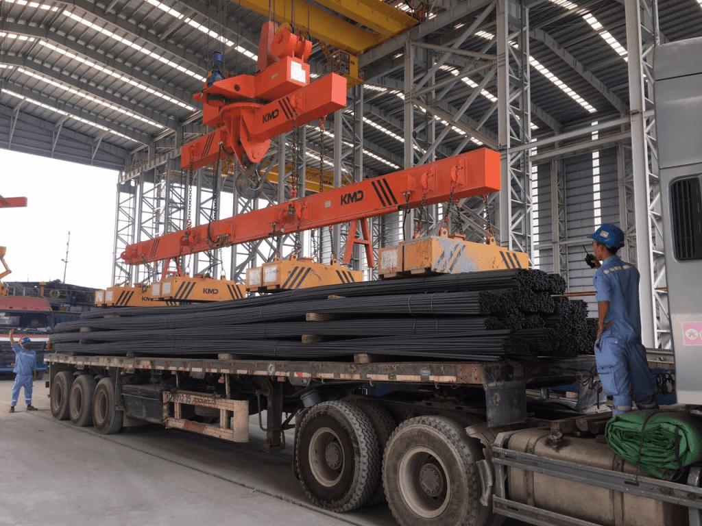 vận chuyển sắt thép từ Bình Dương