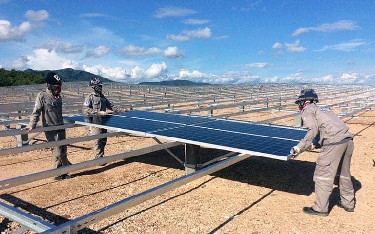 Vận chuyển pin năng lượng mặt trời đi Gia Lai