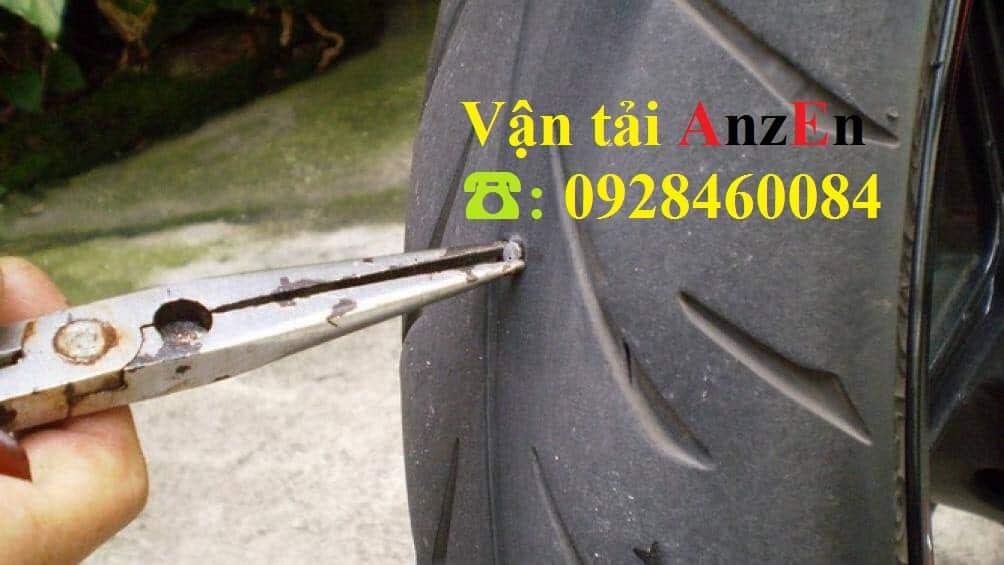 Vận chuyển lốp xe đi tỉnh