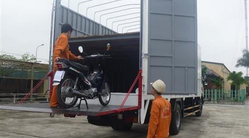 Vận chuyển xe máy đi Sài Gòn bằng